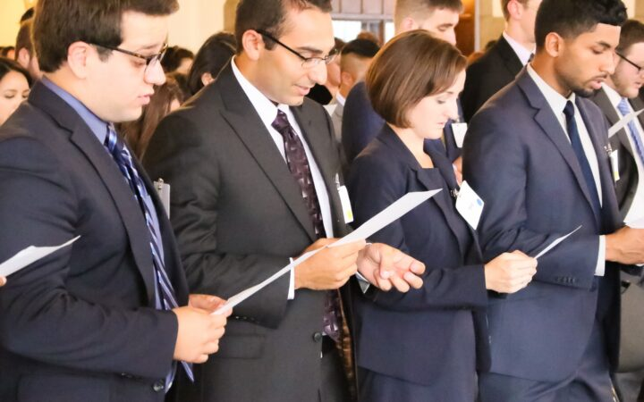 Members of the incoming class of 2016 recite Pledge of Professional Commitment